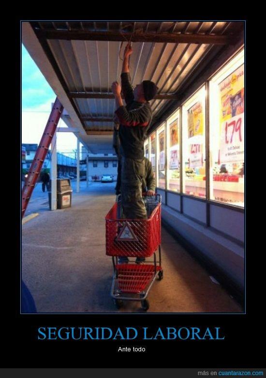 carrito,escaleras para qué,hombre,seguridad,trabajo