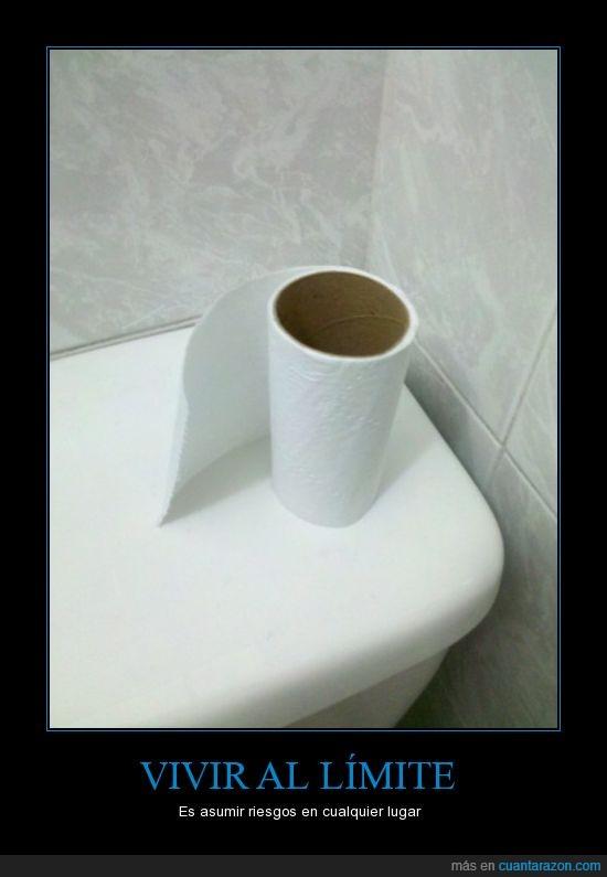 Baño,papel higiénico,riesgo,vivir al limite
