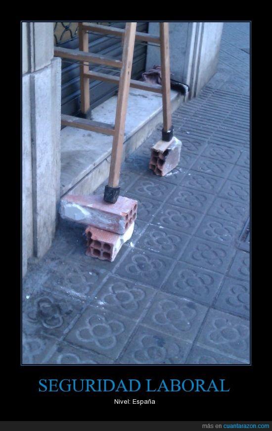 escalera,fail,ladrillos,Seguridad Laboral