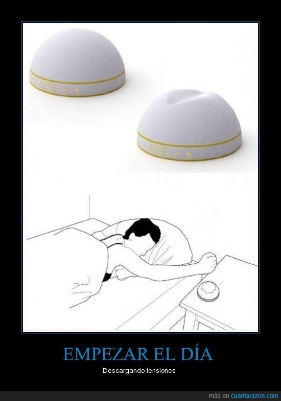 alarma,despertador,puño