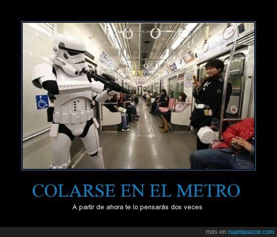 arma,colar,frikis,guerra de las galaxias,japon,metro,revisor,star wars,stormtrooper,transporte