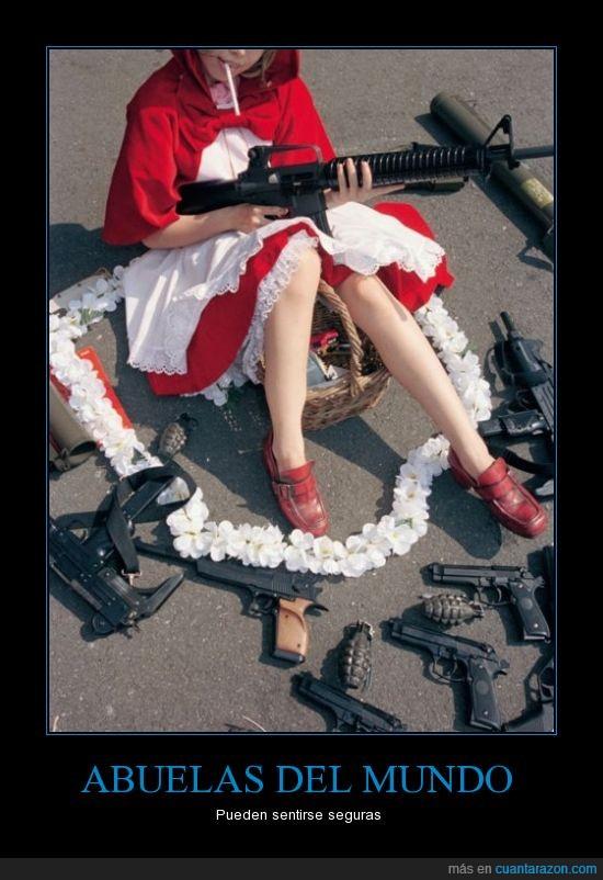 armas,caperucita roja,cosplay,metralleta,pistola,recargada