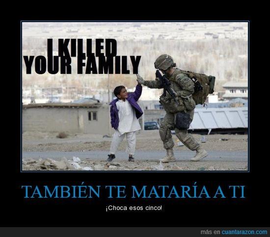 choca,cinco,esos,feliz,guerra,militar,niño,soldado
