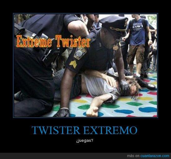 ataca,brutal,extemo,mano derecha rojo,policia,represion,twister