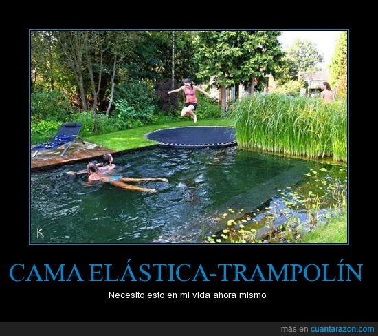 divertirse,piscina,saltar,trampolín