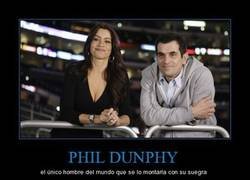 Enlace a PHIL DUNPHY