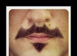 Enlace a BIGOTE BATMAN