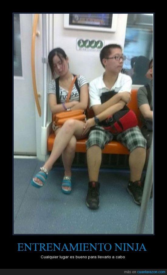 asia,china,chino,disimulo,dormida,dormir,duerme,japon,metro,pervertido,pierna,toca