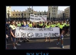Enlace a POLICÍAS