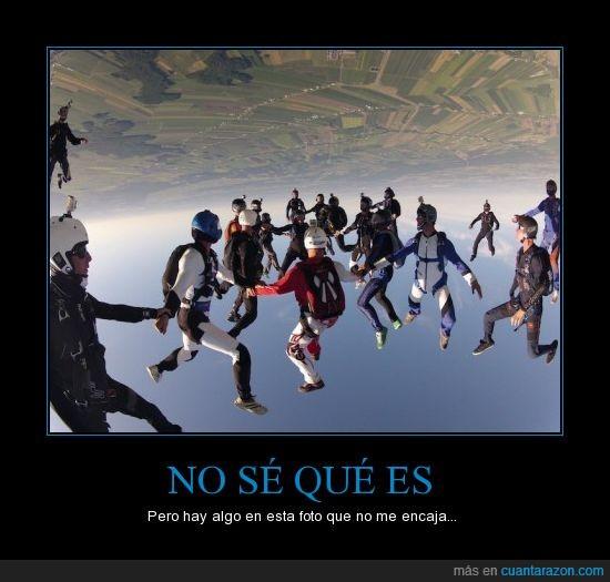 cielo,paracaidas,paracaidismo,paracaidista,reves,salto,suelo