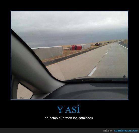 así,camiones,duermen,girado,tirado,tumbado,volcado