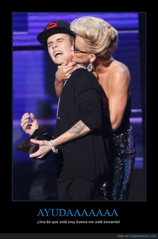 American Music Awards 2012,ayuda,Jenny McCarthy,justin bieber,premios