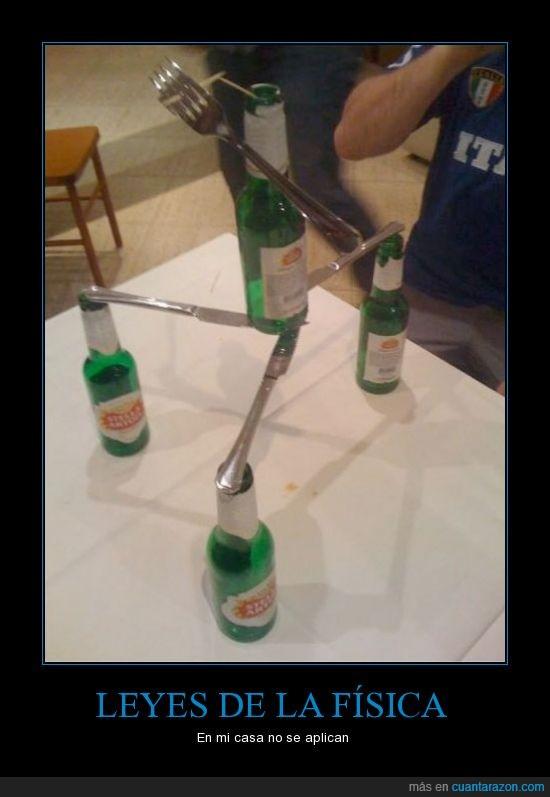 botella,cerveza,cuchillo,equilibrio,lisa en esta casa obedecemos las leyes de la termodinamica,mesa,palillo,teledor