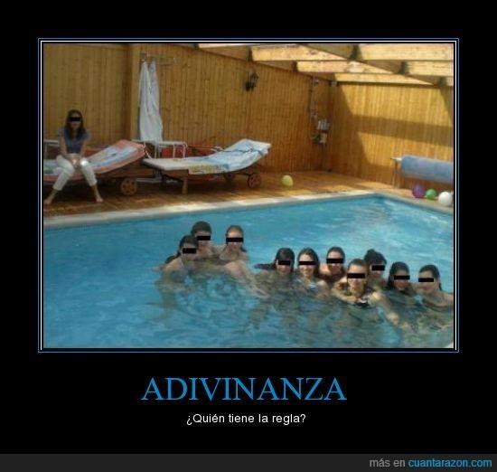 mujeres,piscina,regla