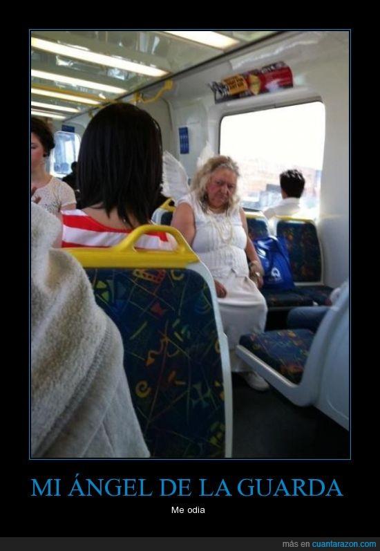 angel,bus,guarda,miedo,odio,raro,señora,vieja