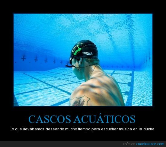 agua,cascos,chico,mojar,música,nada,natacion,piscina,submarino,tatuaje