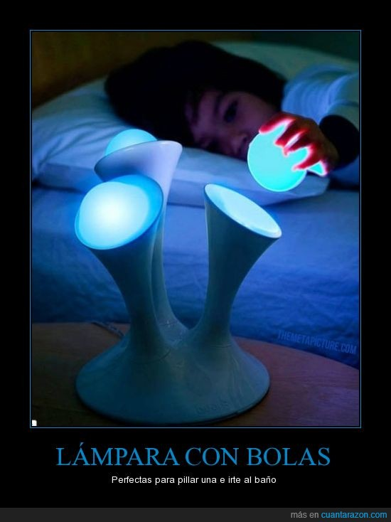 baño,bolas,dormir,lampara,lavabo,levantar,luz,noche,pillar,una