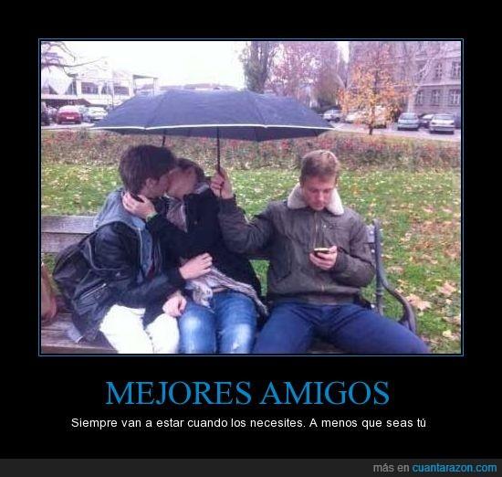 beso,forever alone,friendzone,mejor amigo,movil,novia,paraguas