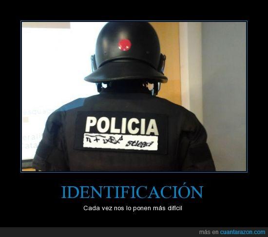 antidisturbios,antiIdentificaion,Captcha,delitos legales,españa,identificacion,mossos,numero,placa,policia,policia imposible de identificar,verguenza de pais