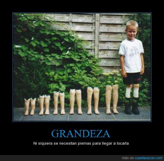 crecer,grande,Grandeza,niño,piernas,protesis,tocar