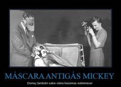 Enlace a MÁSCARA ANTIGÁS MICKEY
