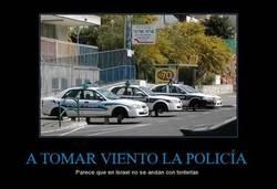 Enlace a A TOMAR VIENTO LA POLICÍA