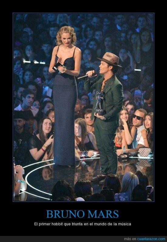 bajito,Bruno Mars,hobbit,mide metro 64,mtv,Taylor Swift,Taylorzilla,vma