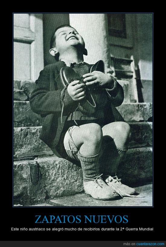 alegría,apreciar,guerra,mundial,niño,nuevos,segunda,zapatos