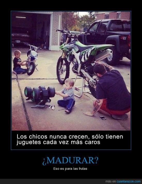chico,cochecito,hijo,juguete,moto,niño,tambien aplicable a las chicas