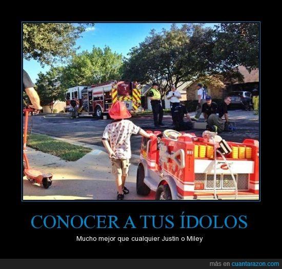 bombero,camion,casco,heroe,idolo,niño
