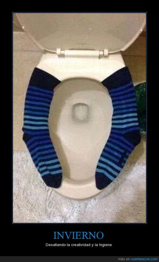 calcetin,caliente,calor,encima,frio,lavabo,no se puede cagar a gusto,sentar,tapa