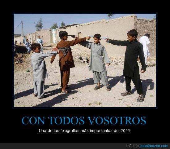 afganos,Armas,cabeza,disparar,Eid al-Adha,Juguetes,Niños,pistola