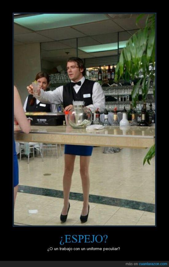 camarero,chica,espejo,falda,humor,perspectiva,piernas,tacones,traje