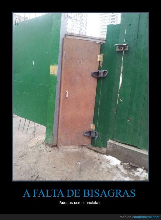 apaño,arreglar,bisagra,chancleta,cutre,obra,puerta