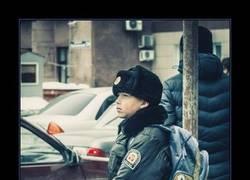 Enlace a Niños rusos con metralletas
