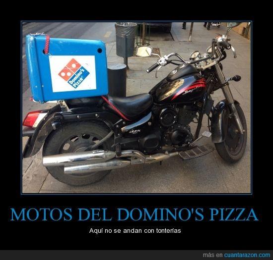 Dominos pizza,grande,moto,potente,repartidor,repartir,rollo harley