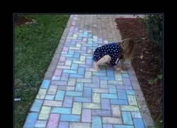 Enlace a Pintando los adoquines con tiza de colores