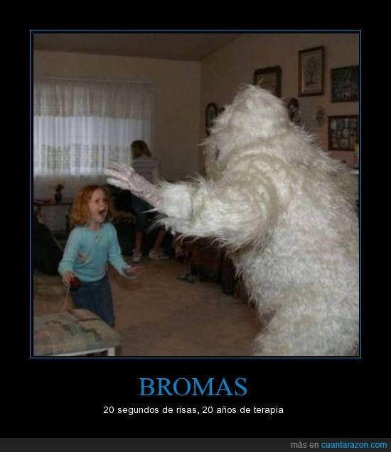 abominable cosa de las nieves,asustar,broma,gritar,llorar,niña,sus,terror,yeti