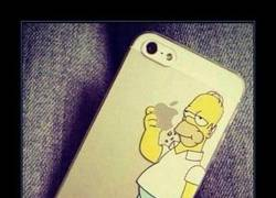 Enlace a Funda de iPhone de Homer Simpson, PERFECTA