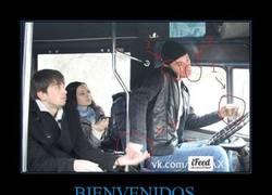 Enlace a El conductor multitarea de autobús