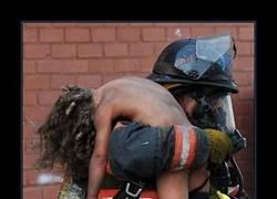 Enlace a El bombero Chris Wagener es un héroe