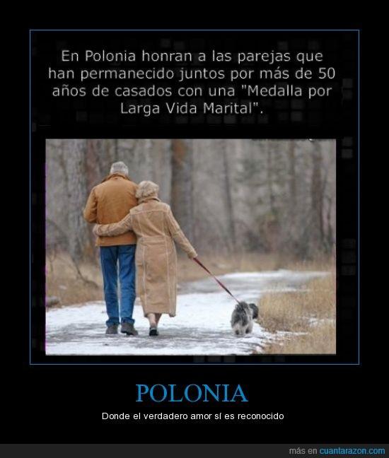 amor,ancianos,años,edad,enamorados,juntos,medalla,pareja,Polonia,verdadero,viejecillos,viejos
