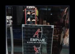 Enlace a Así te comunican que están cerrados en esta tienda