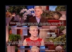 Enlace a Miley habla sobre las camisetas de Los Ramones