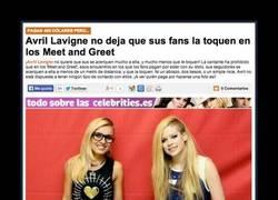 Enlace a Skater girl no sé, pero borde es un rato esta Avril Lavigne
