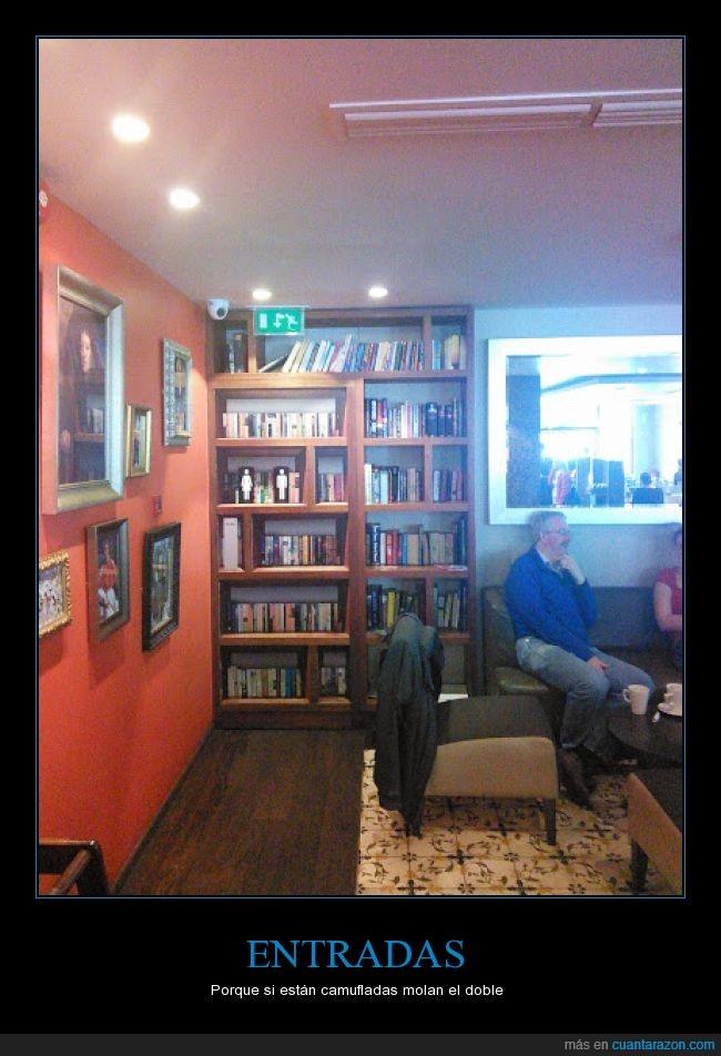 camuflaje,disimulado,emergencia,entrada,estantería,libros,salida,tapar