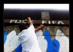 Enlace a GRAFFITIS ANTI-FIFA