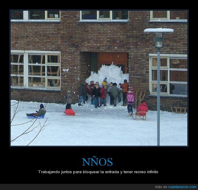 colegio,equipo,infinito,juntos,nieve,niños,patio,recreo,tapar,trabajo