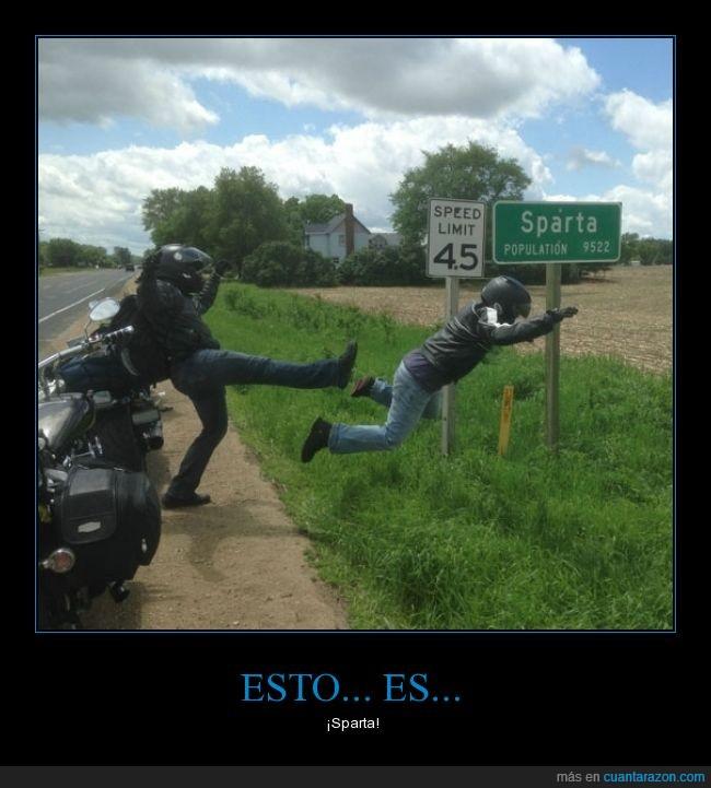 300,ciudad,Esparta,espartanooooos,Michigan,moto,motorista,patada,patadon,Sparta