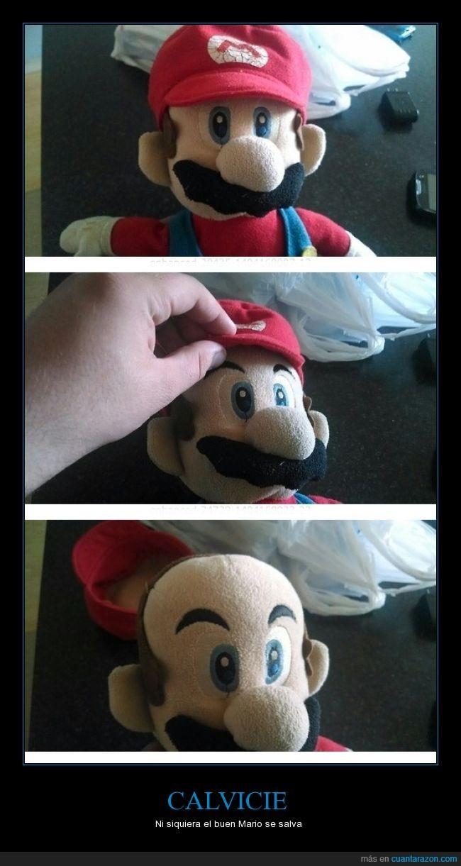 alopecia,calvicio,calvo,debajo,el mario rojo,gorra,mario bross,muñeco,nintendo,sombrero,super mario